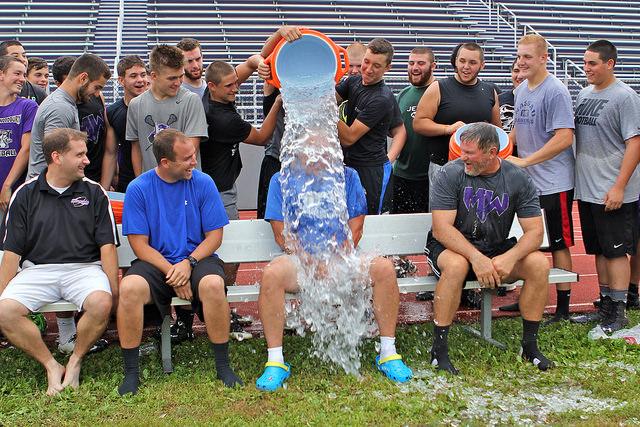 Ice Bucket1