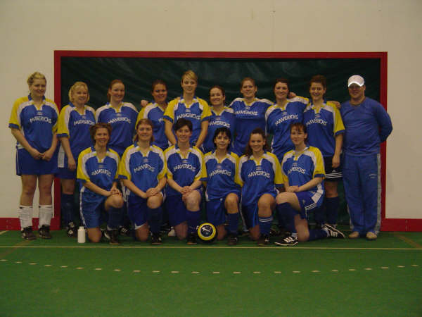 Indoor 2005 Team Pic