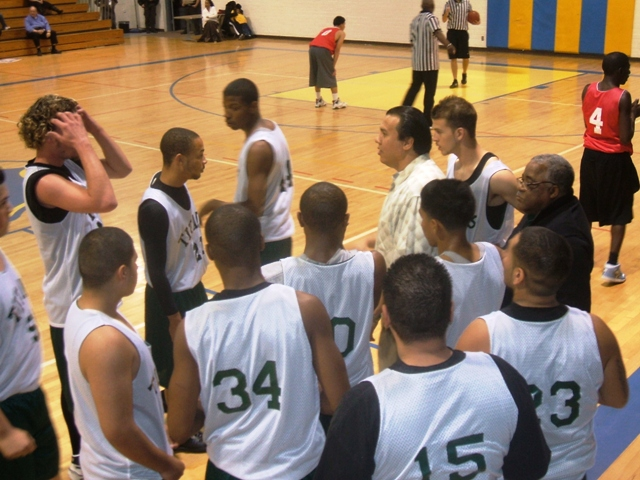BB08 Boys championship Premier Huddle