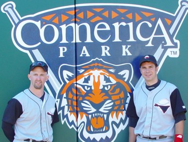 2004 detroit scott and mike sign
