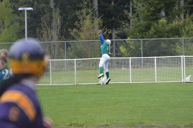 Nicole Grab Over Fence vs Issaquah-small.jpg