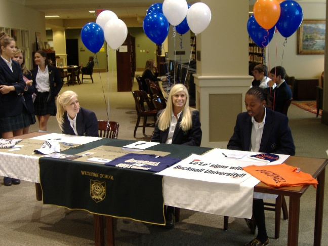 Whitneys-LeLe signing