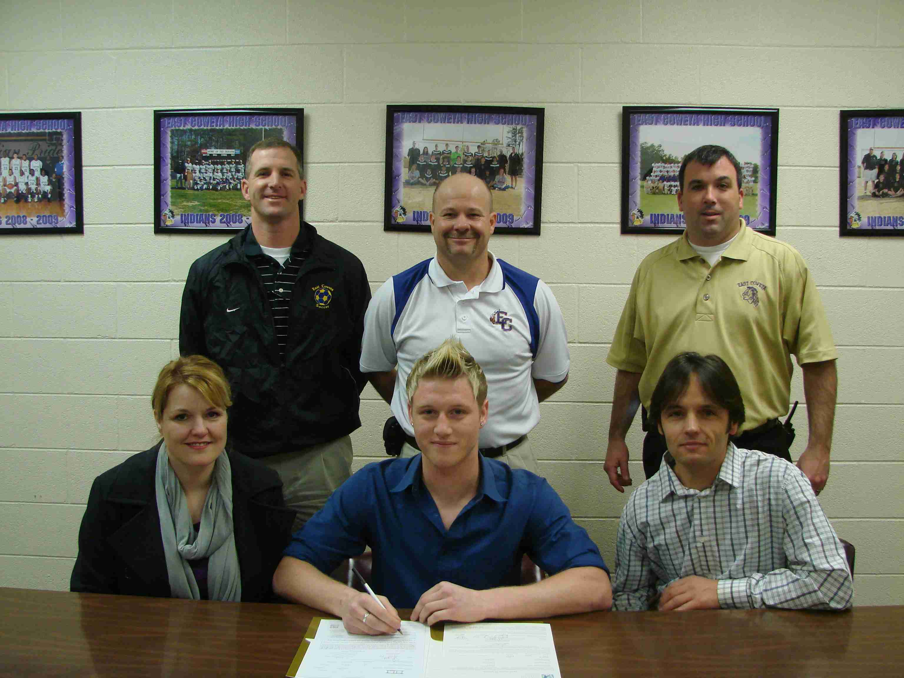 Signing Day 2010 - Alex Sa.jpg