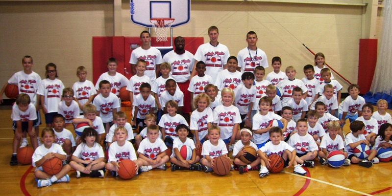 LITTLE DRIBBLERS GROUP PIC.jpg