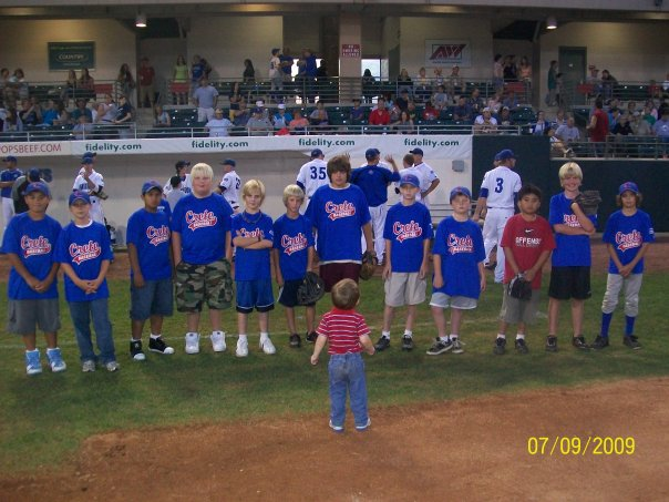 Bren and Cubs team at WCT game