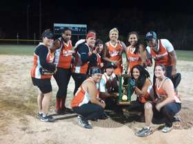 Women's Fast Pitch champs - Las Veteran