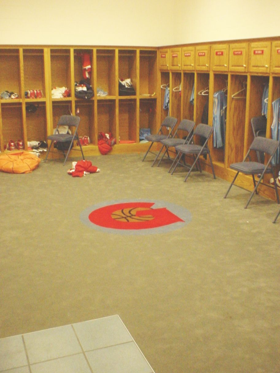 GLENDALE LOCKERROOM #104