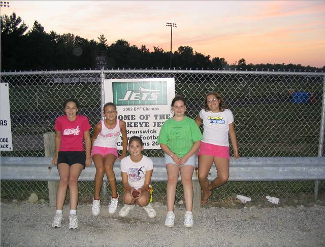 2004 Varsity Jets Cheer And Sign